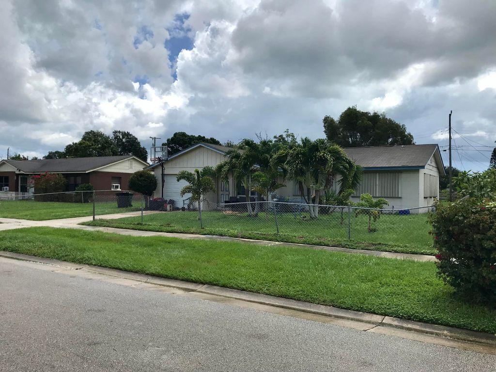 110 Camelot Dr, Fort Pierce, FL 34946