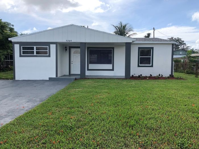 5264 NW 5th Ave, Oakland Park, FL 33309