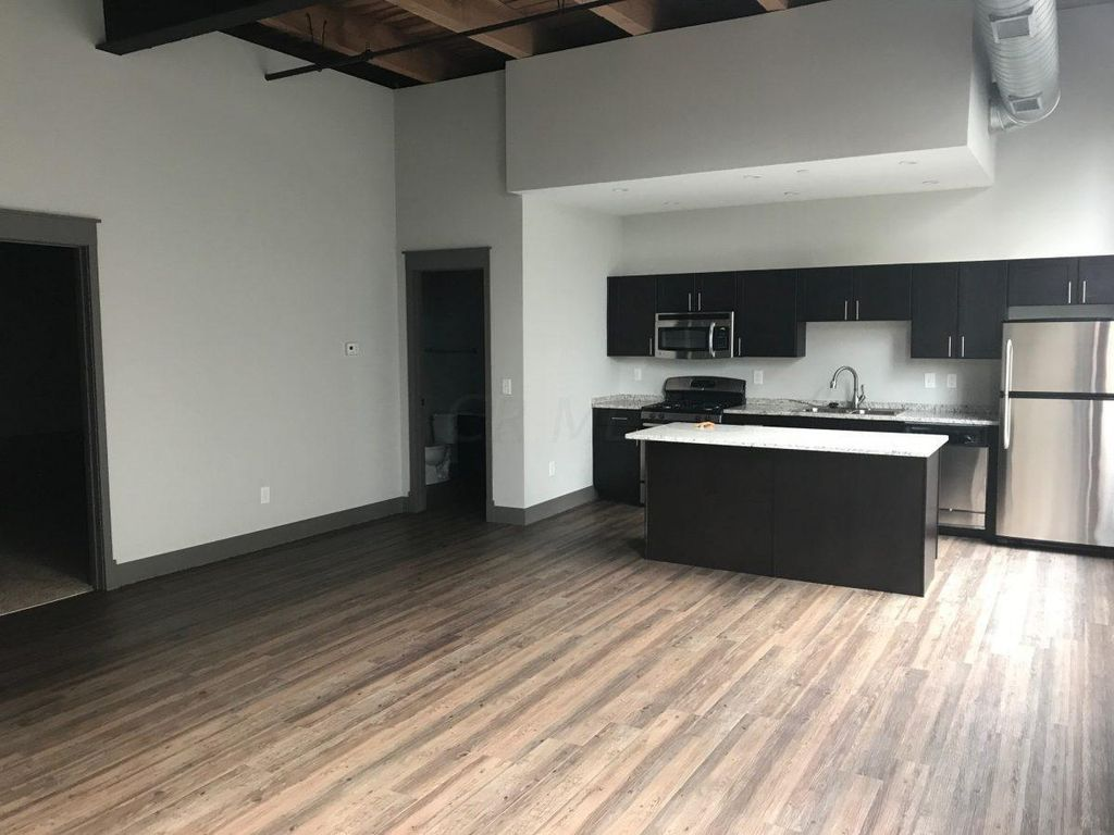 570 S Front St #216, Columbus, OH 43215