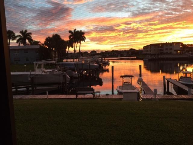 326 Northlake Dr #101, North Palm Beach, FL 33408