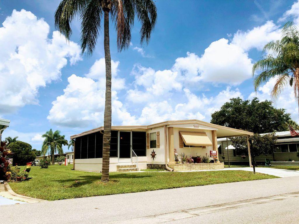 2953 Palm Lake Dr, Sarasota, FL 34234