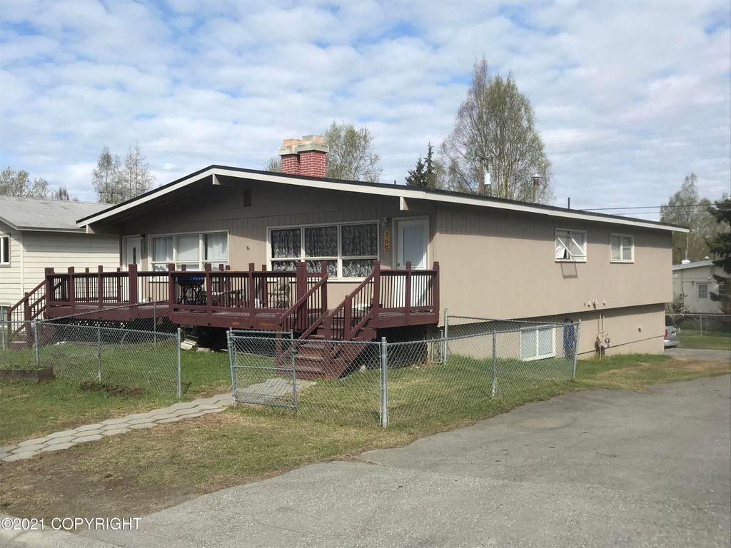 705 W 22nd Ave, Anchorage, AK 99503