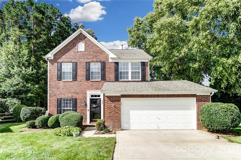 632 Eaton Ct, Fort Mill, SC 29708