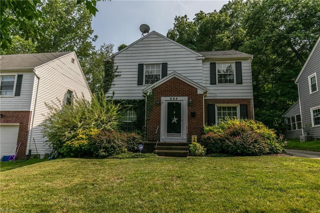 644 Ecton Rd, Akron, OH 44303