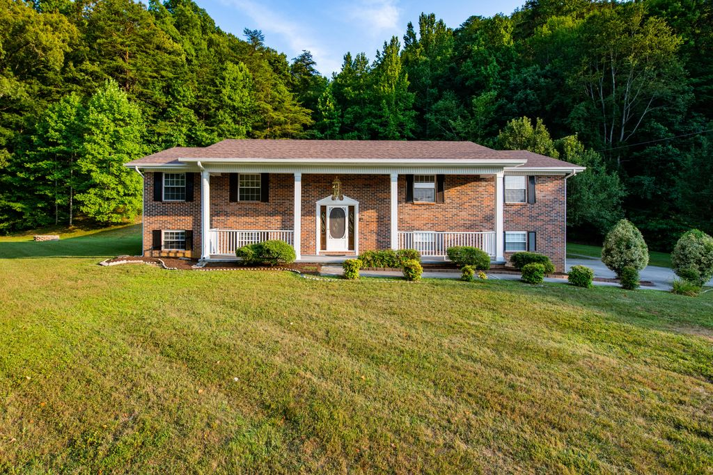 496 Monroe Rd, Maynardville, TN 37807