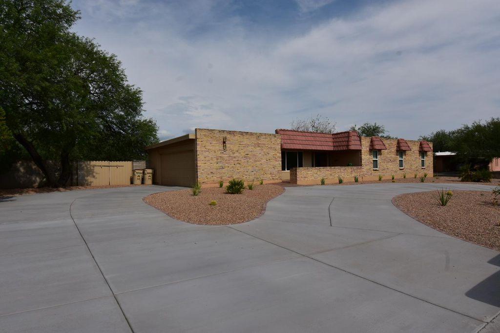 3232 N Calle De Beso, Tucson, AZ 85750