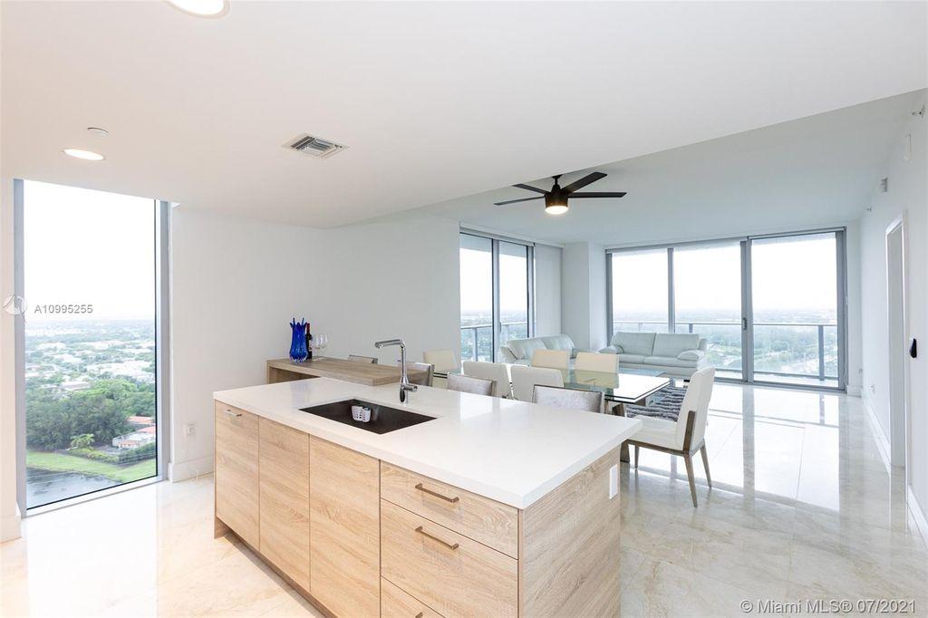 16385 Biscayne Blvd #2901, North Miami Beach, FL 33160