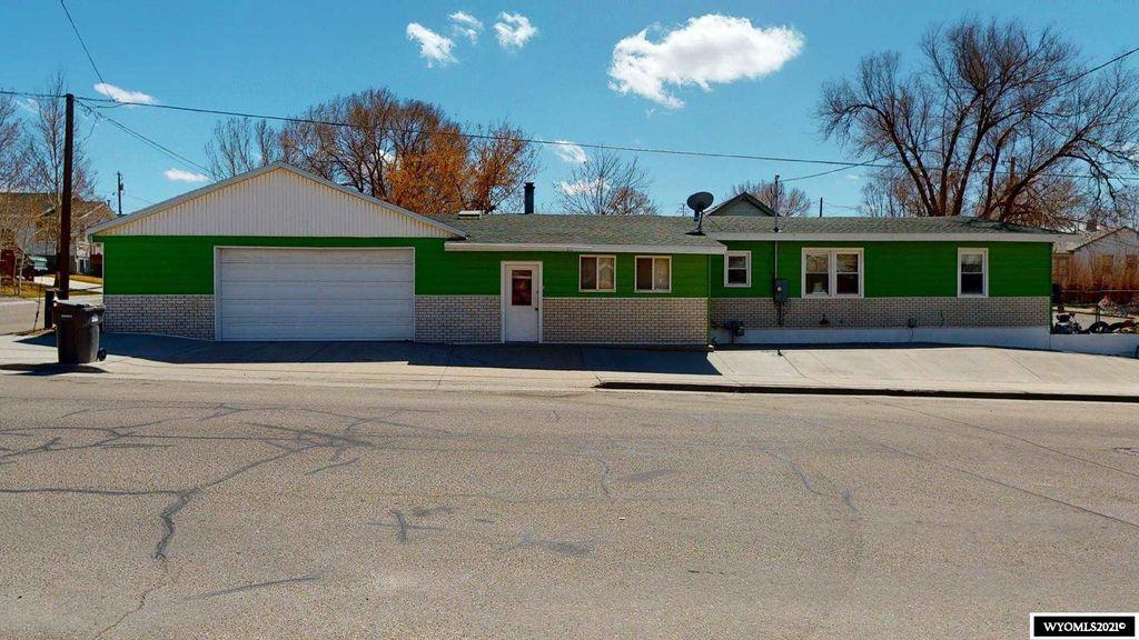 805 Walnut St, Rock Springs, WY 82901