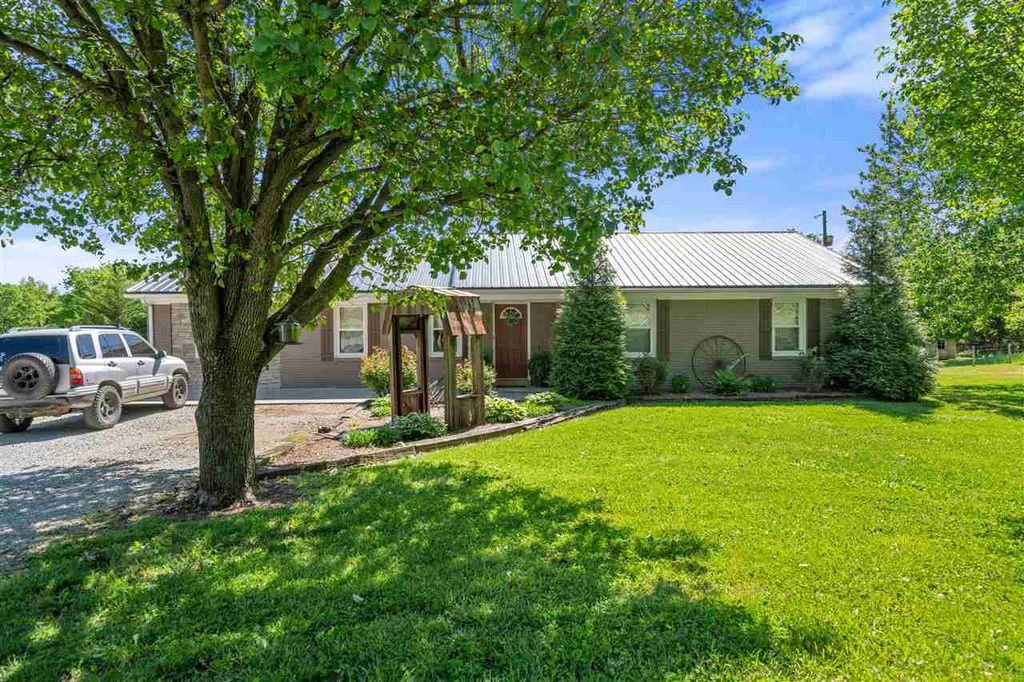 169 Matlock Ln, Auburn, KY 42206