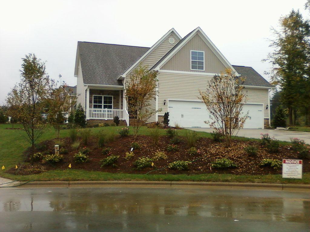 5916 Cardinal Lake Dr, Greensboro, NC 27410