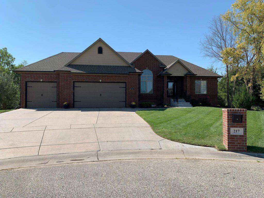 217 N Gateway Ct, Wichita, KS 67230