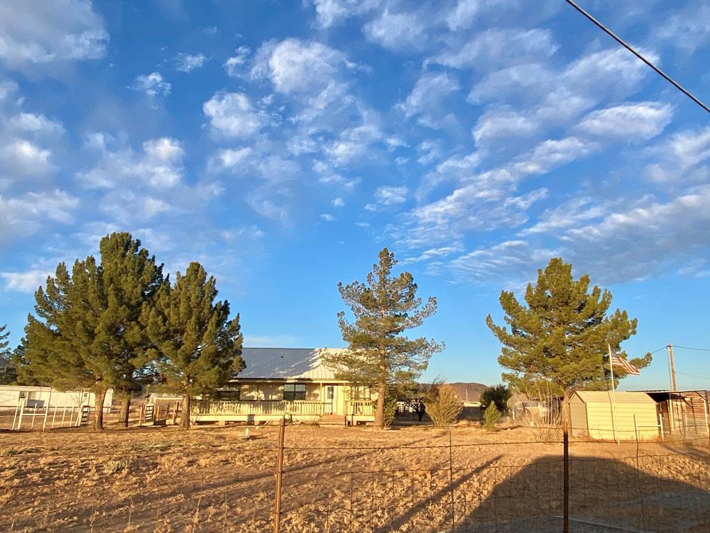 419 Mountain View Rd, Alpine, TX 79830