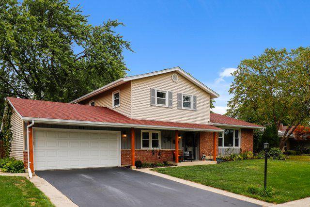 910 W Firestone Dr, Hoffman Estates, IL 60192