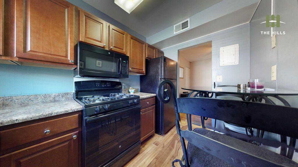 220 Stonecroft Rd, Baltimore, MD 21229