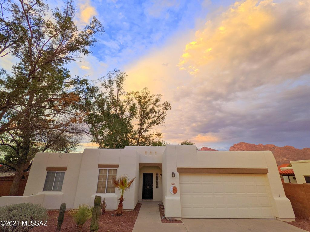 10367 N Fox Croft Ln, Tucson, AZ 85737