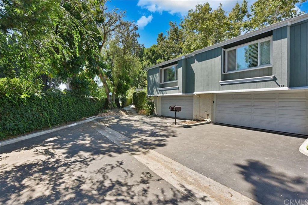 936 Hollow Brook Ln #124, Costa Mesa, CA 92626