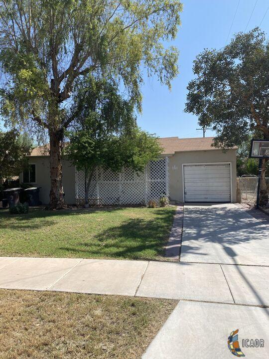 812 Heffernan Ave, Calexico, CA 92231