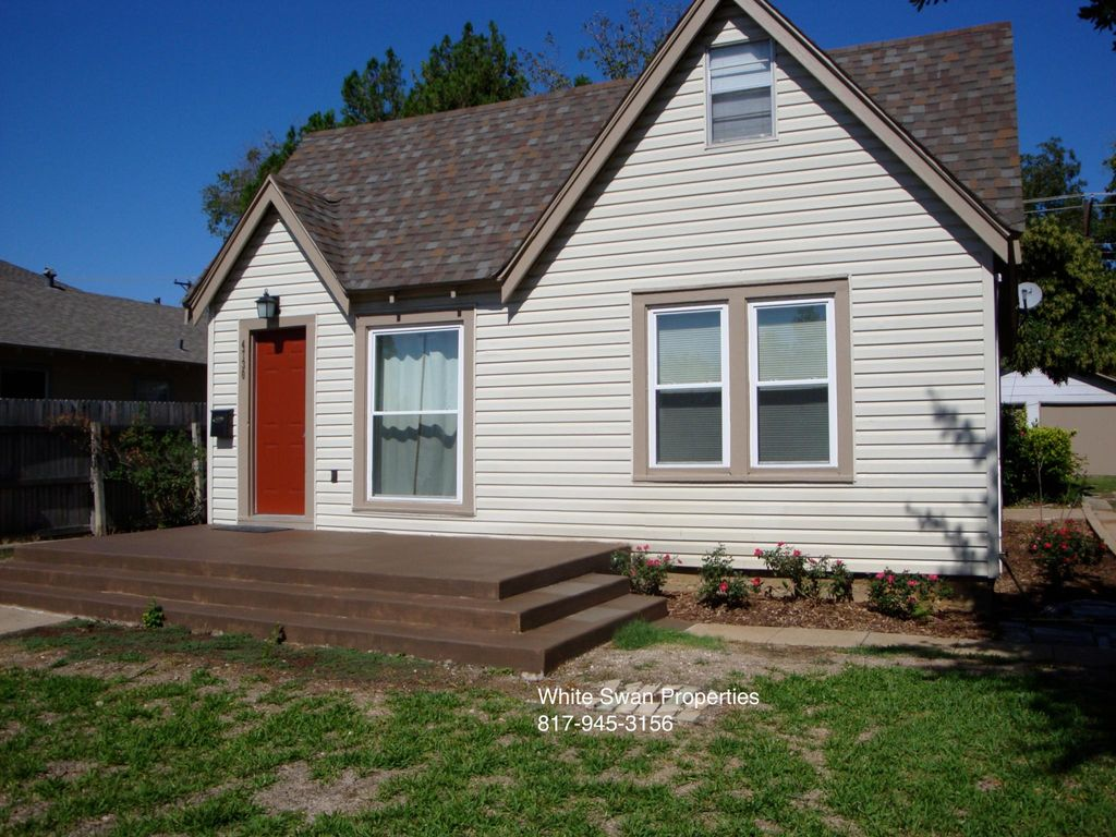 4730 Calmont Ave, Fort Worth, TX 76107