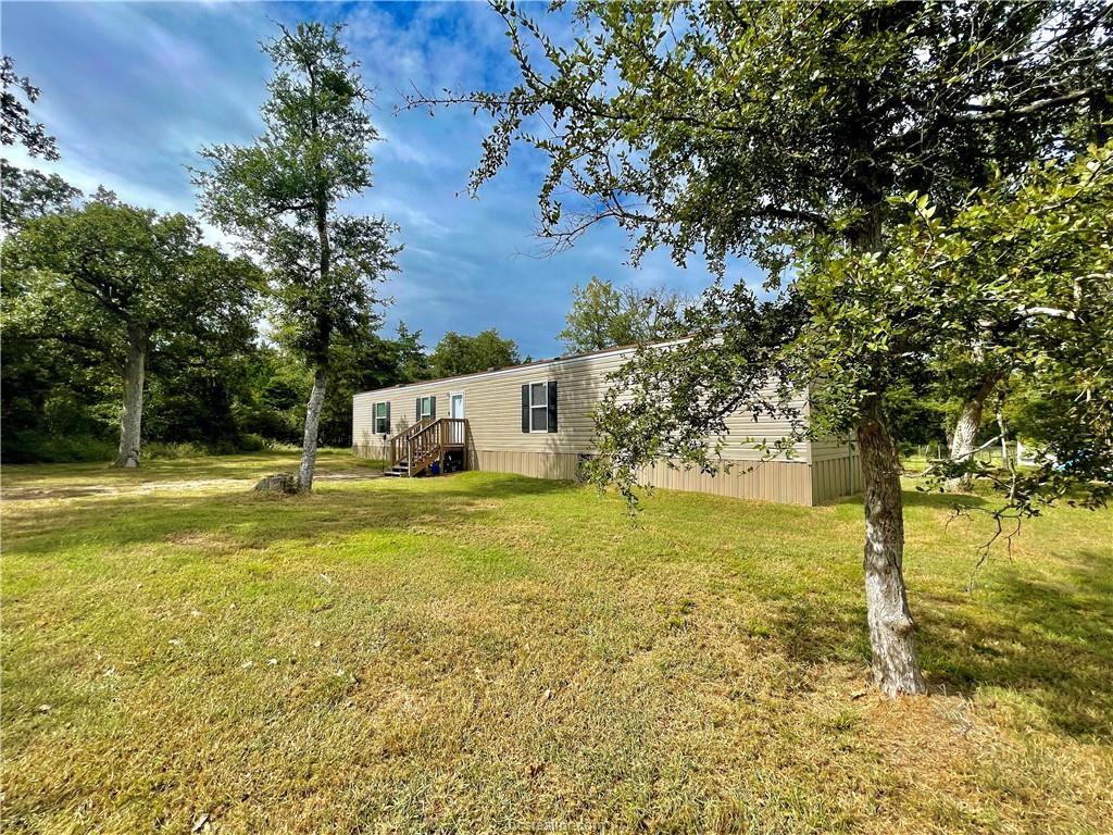 453 Loganberry Rd, Somerville, TX 77879