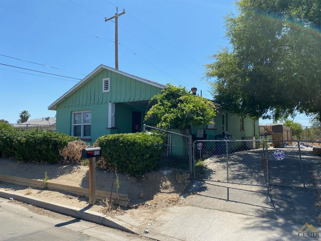 820 S Tulare St, Bakersfield, CA 93307