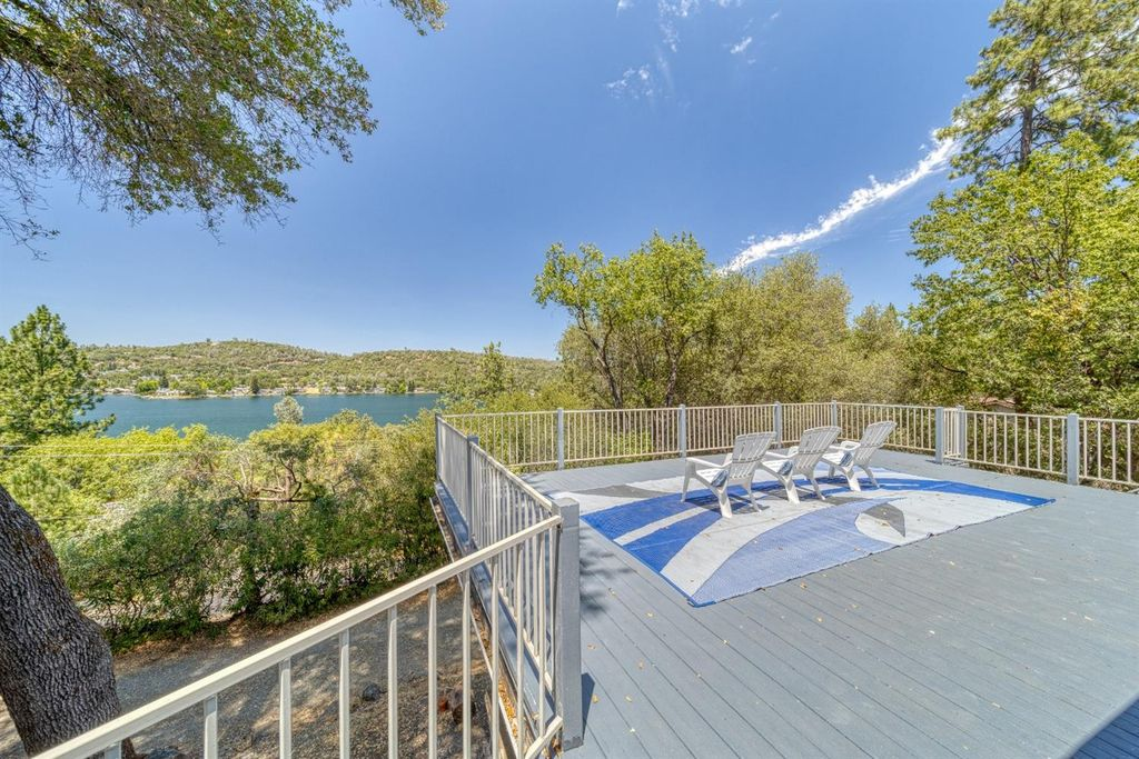 18405 Chaparral Dr, Penn Valley, CA 95946