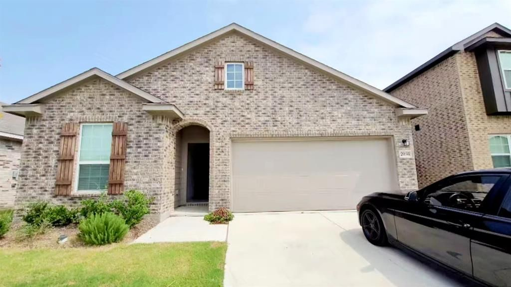 2058 Hartley Dr, Forney, TX 75126