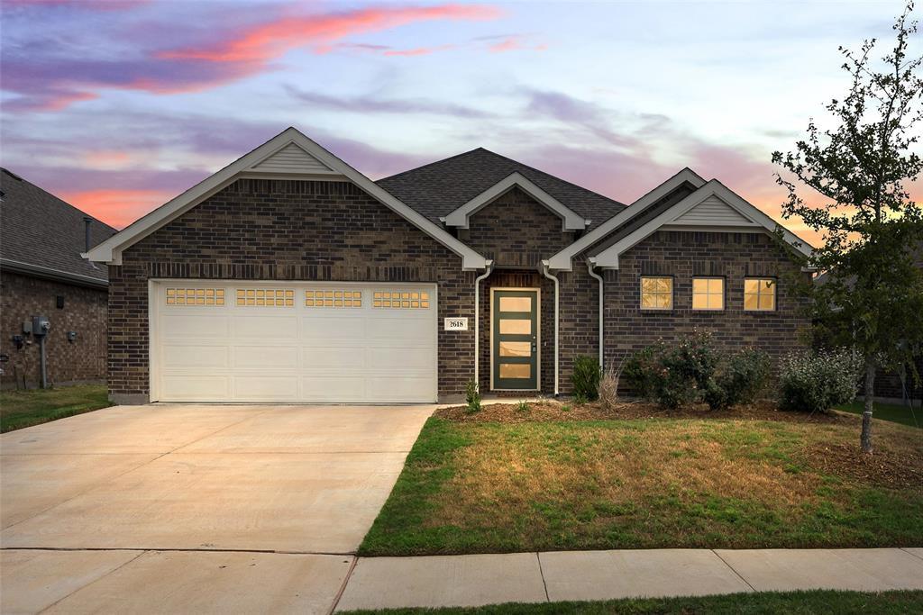 2618 Middleton Rd, Glenn Heights, TX 75154