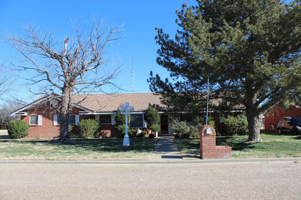 201 Dunn St, Kress, TX 79052