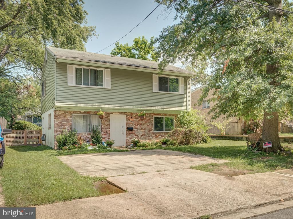 517 Ashleaf Ave, Capitol Heights, MD 20743
