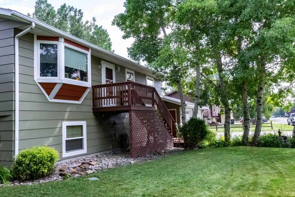 1350 Valley Forge Rd, Helena, MT 59602