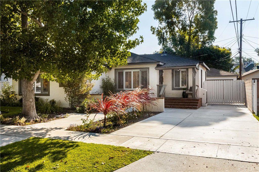 1914 N Greenbrier Rd, Long Beach, CA 90815