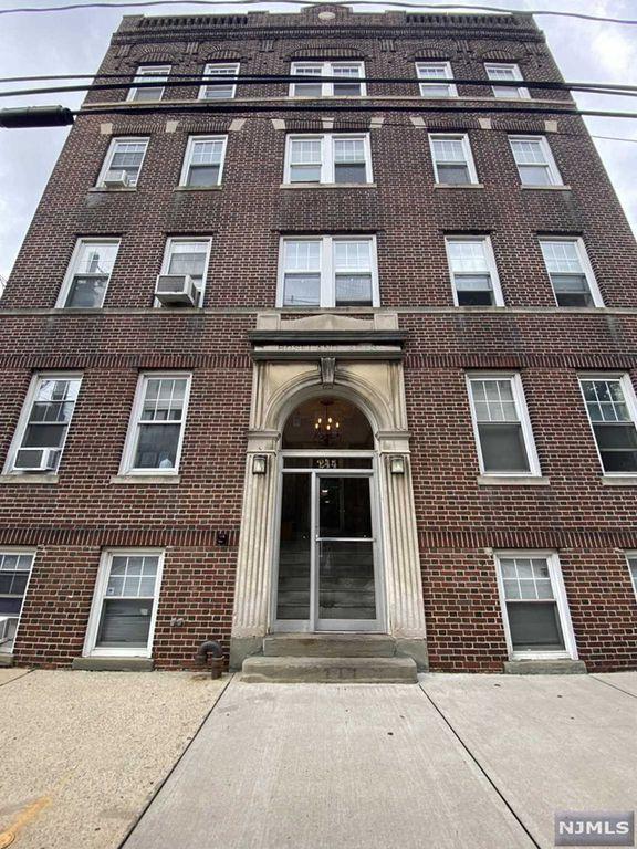 244 Lawton Ave #8, Cliffside Park, NJ 07010