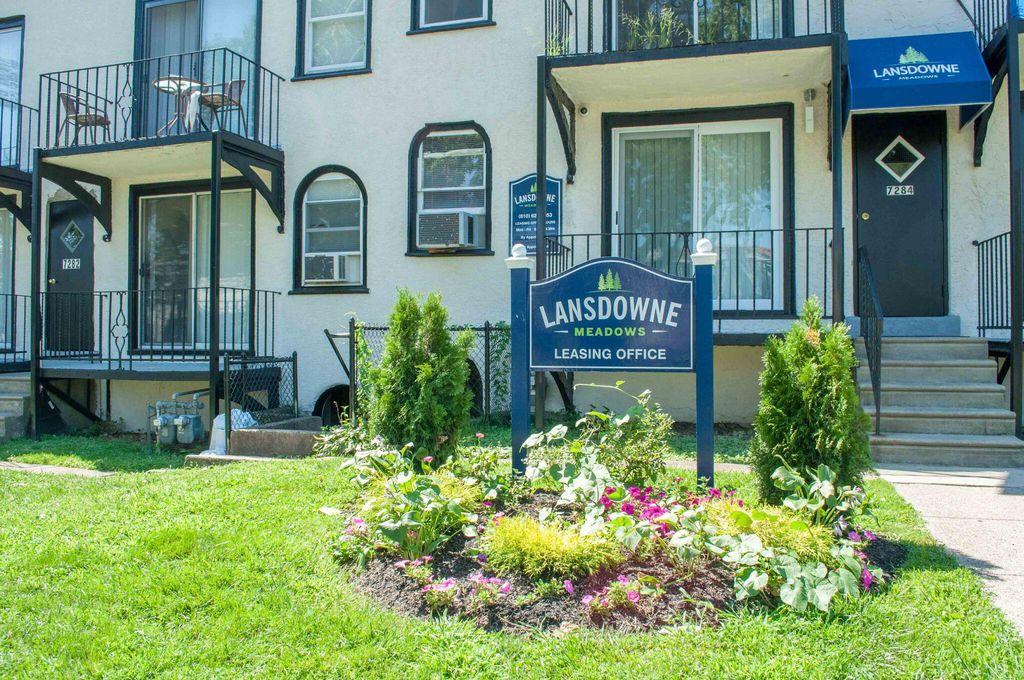 7284 Radbourne Rd, Upper Darby, PA 19082