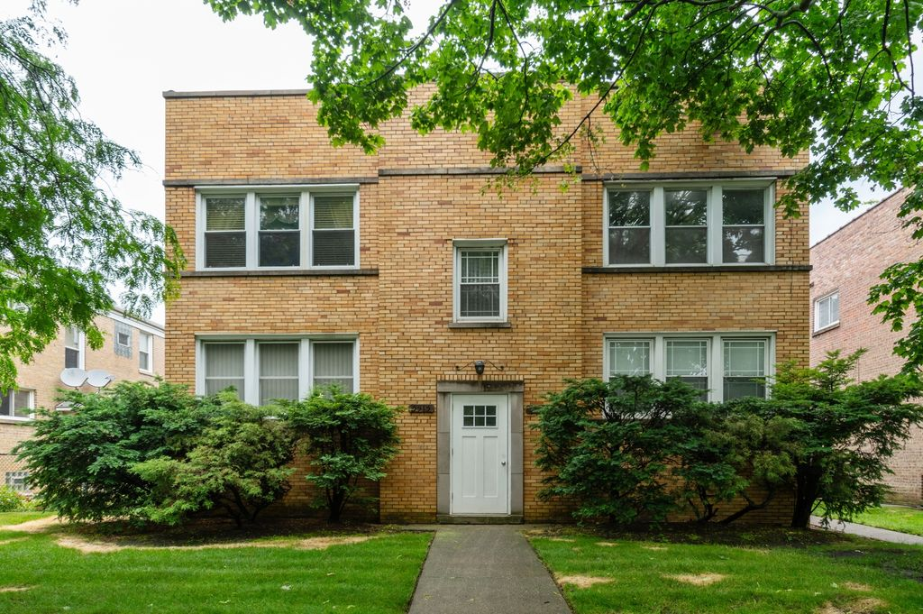 5513 N California Ave #2S, Chicago, IL 60625