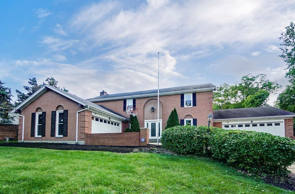 4704 Riverview Ave, Middletown, OH 45042