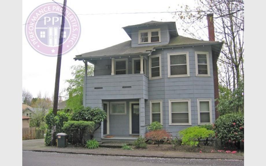 2432 SE Morrison St, Portland, OR 97214