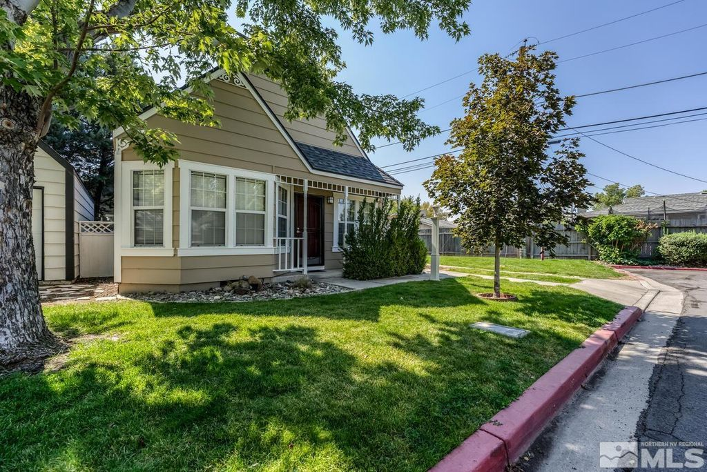 2641 Betsy Ct, Sparks, NV 89431