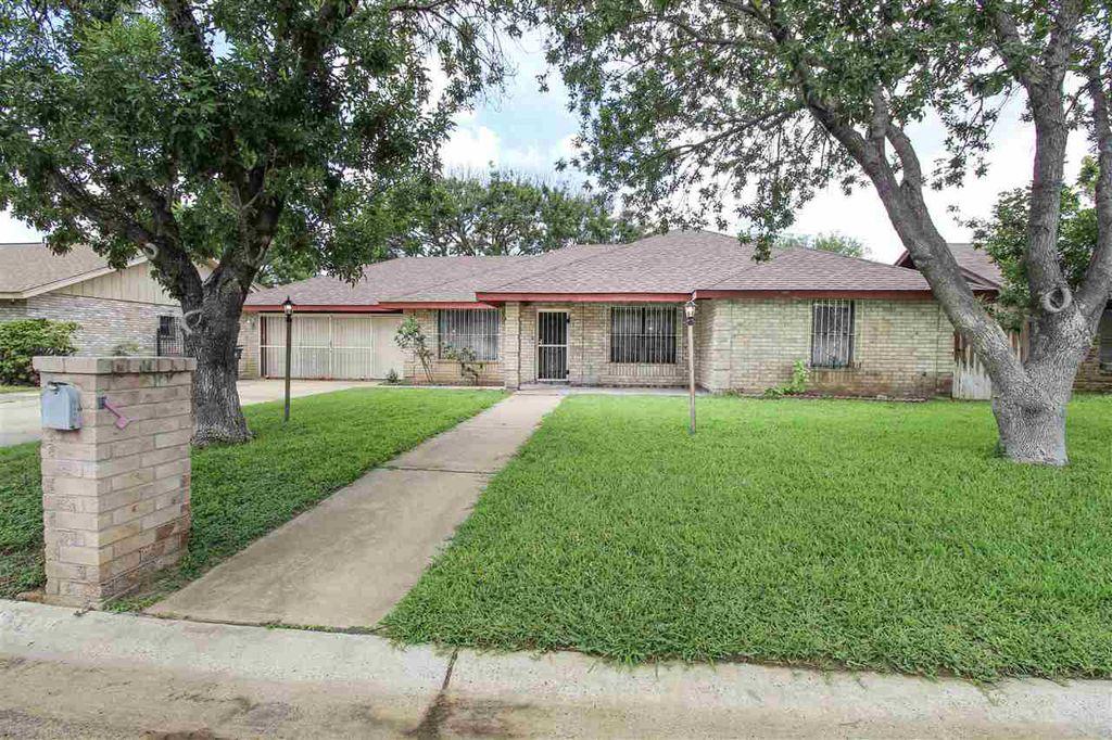 5504 Cypress Dr, Laredo, TX 78041