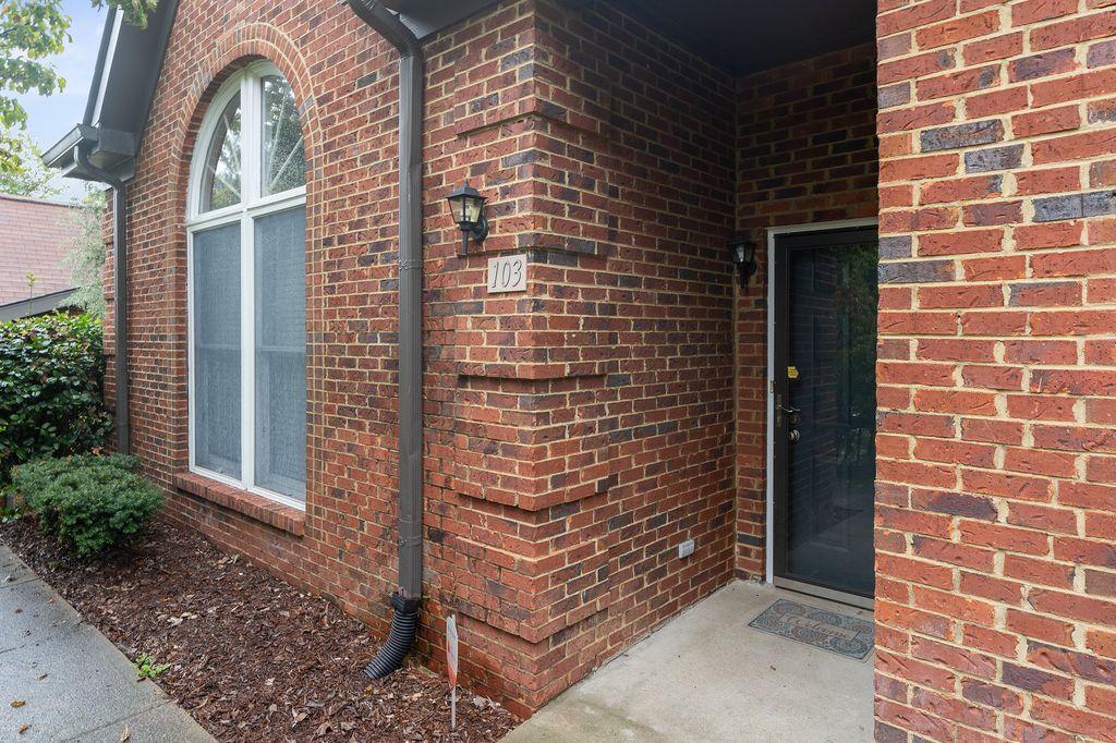 103 Highland Villa Dr, Nashville, TN 37211