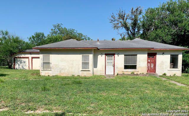 1364 Clinton Pl, Kenedy, TX 78119