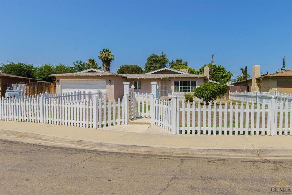 4313 Kenny St, Bakersfield, CA 93307