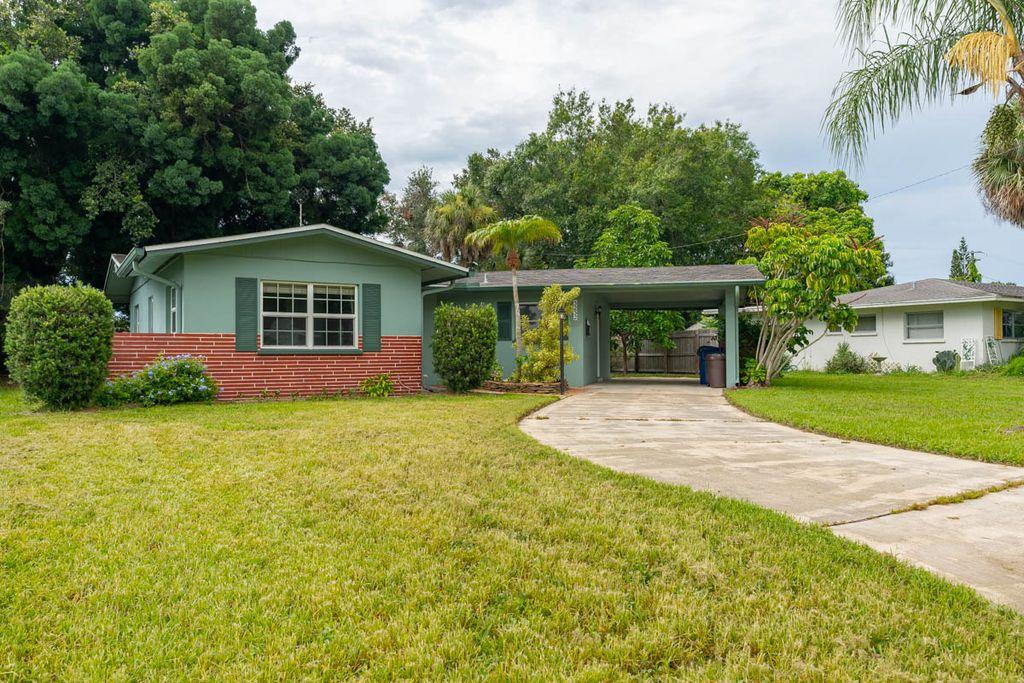 3232 Glouster St, Sarasota, FL 34235