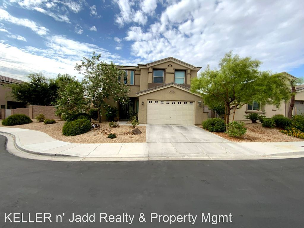9211 Oxbow Lake Ave, Las Vegas, NV 89149