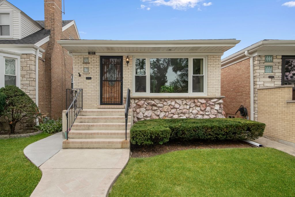 3430 N Newcastle Ave, Chicago, IL 60634