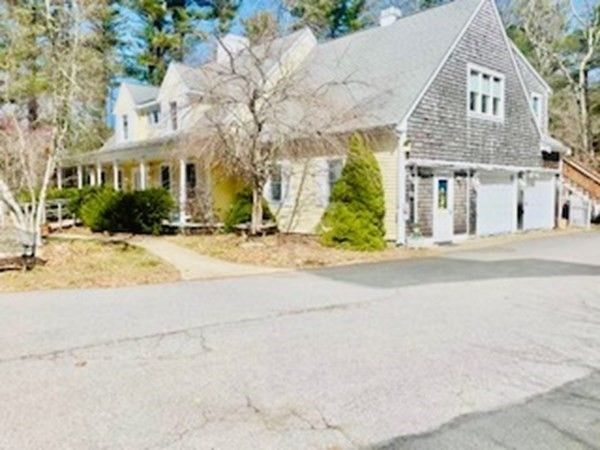 40 State Rd, Plymouth, MA 02360