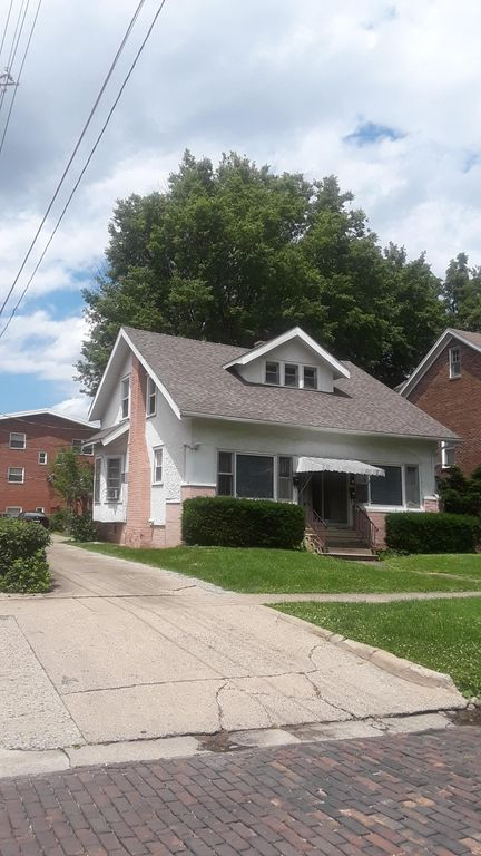 808 W Indiana Ave #2, Urbana, IL 61801