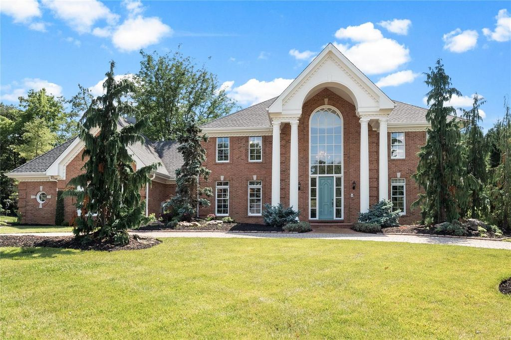 2235 Devonsbrook Dr, Chesterfield, MO 63005