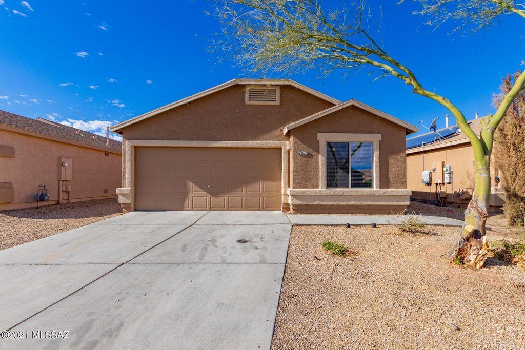 7826 S Sentinal Stone Dr, Tucson, AZ 85756