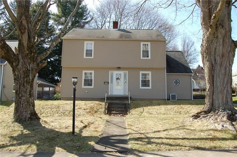 208 Garden Ave, Grove City, PA 16127