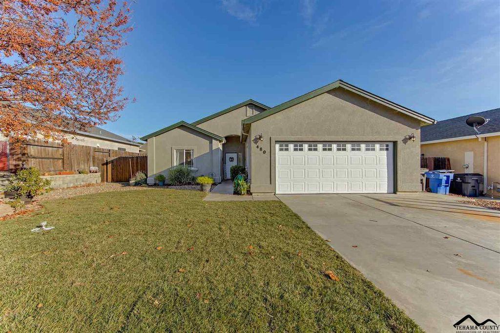 480 Springtime Ln, Red Bluff, CA 96080